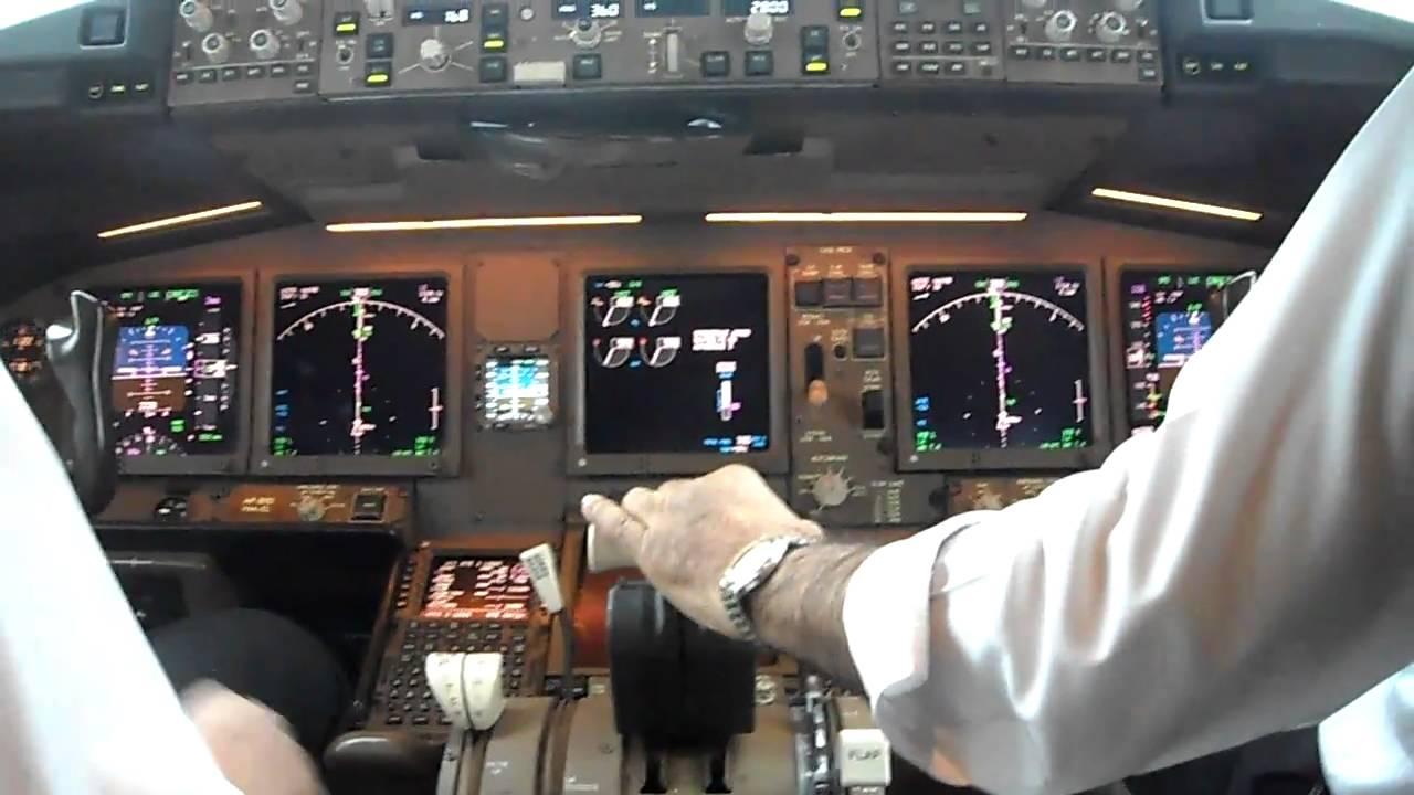 PIA Boeing 777 300ER Cockpit View KHI LHE Part 4 HD 720P