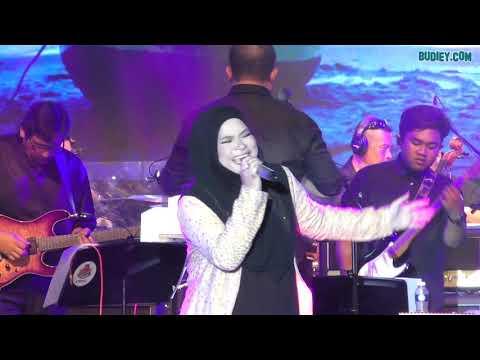 Nora Nyanyi ADA DALAM TIADA di Konsert Voices of Ladies