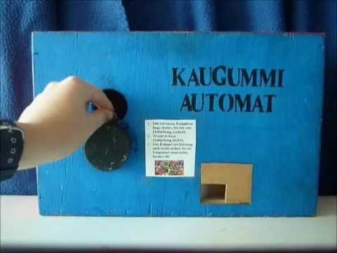 kaugummi automat aus holz youtube. Black Bedroom Furniture Sets. Home Design Ideas