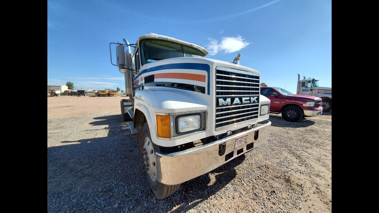 2002-03 Mack Granite- Very nice pre-emissions truck.  JW 970-518-5520