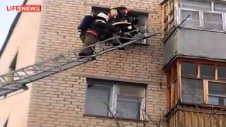 Взрыв во время ремонта холодильника(, 2011-12-09T05:52:44.000Z)
