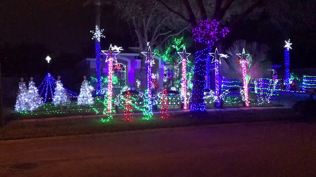 Christmas Light Display 2016 by Michael Anthony Productions Frozen ...