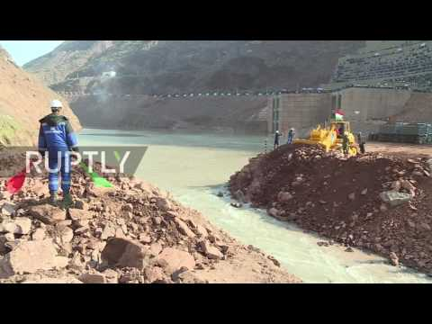 Tajikistan: Construction on the Rogun Dam begins on the Vakhsh River