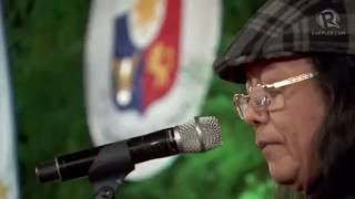 Freddie Aguilar sings at the Duterte inaugural