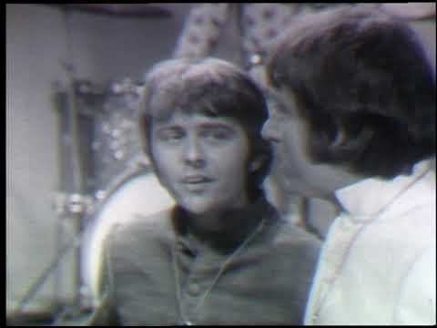 American Bandstand 1968- Interview Tommy Boyce and Bobby Hart 01