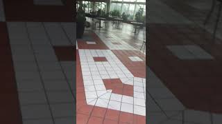 Worst Mall in America! Filthy!