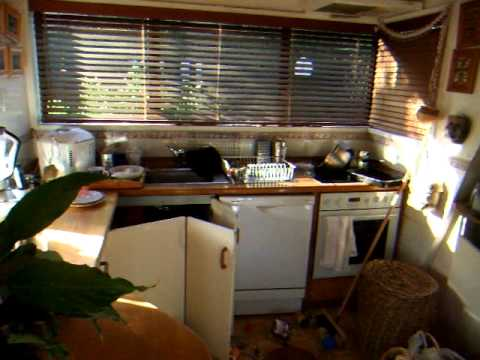 Live footage of aftershocks following mag 6.4 earthquake + damage in christchurch 13 June 2011