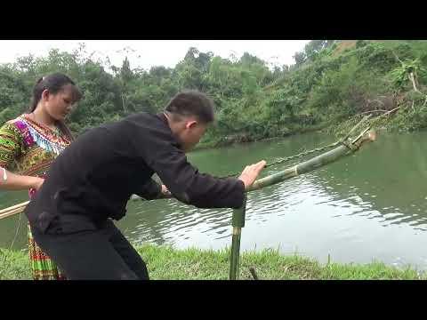 Primitive Life: Smart Primitive Couple Unique Fishing Catch Big Fish At River - Daily Survival Skill
