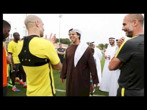 Sheikh Mansour MEETS MAN CITY SQUAD