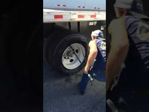 This Is How Fast They Can Change Truck Tires