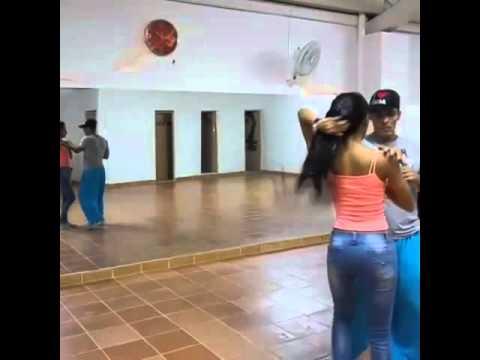 Bachata en son de timba dance studio - YouTube 52d6ec81921