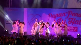 [Fancam] JKT48 - Angin Sedang Berhembus (Kaze Wa Fuiteiru) at Kokoplac HS Festival