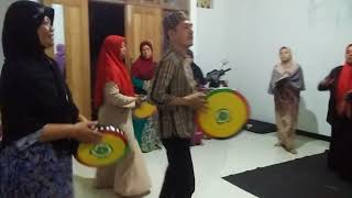 Video Latihan Qosidah Rebana Jombang download MP3, 3GP, MP4, WEBM, AVI, FLV Agustus 2018