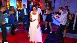 отзыв о свадьбе Айше и Саши с ведущей Викторией Кармазин(, 2015-10-22T08:19:37.000Z)