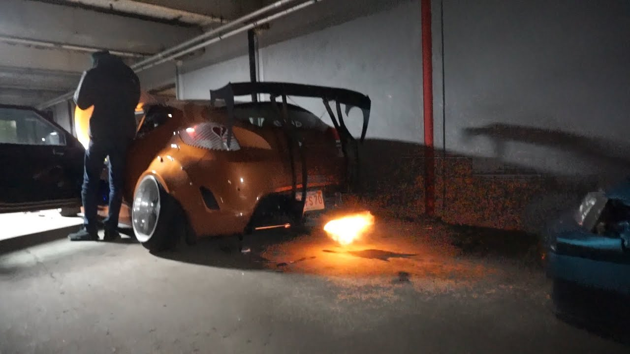 Wotbox on a Hyundai Veloster *SHOOTS HUGE FLAMES*