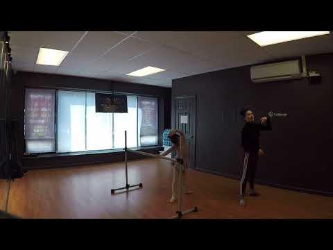 LOLLIPOP DANCE STUDIO--KIDS BALLET 6-9 YEARS OLD Barre Exerciess