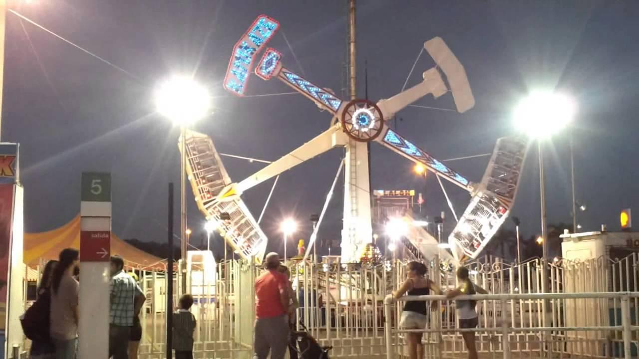 parque de diversiones de noche