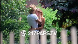 Justin Bieber and Hailey Baldwin Make Out in a Brooklyn Park