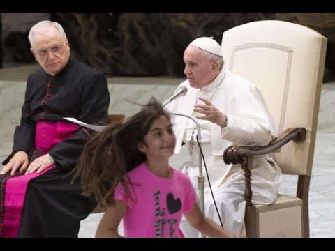 PAPA FRANCESCO: 'Lasciala tranquilla, Dio parla per i bambini'.