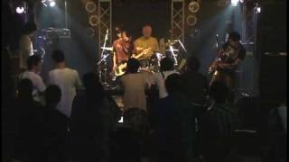 """mute vox"" 前身バンドAll Standing Boogieでは年間50本ペースのライブ..."