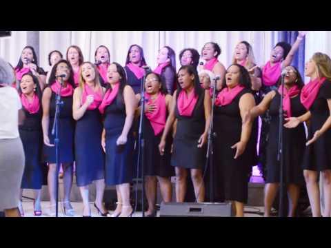 Igreja Cristã Abrigo Aniversário de 5 anos coral de mulheres