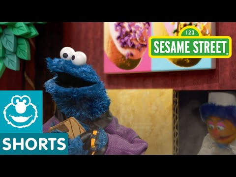 Sesame Street: Smart Cookies Must Stop the Crumb (Smart Cookies Episode)