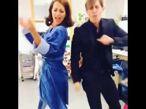 Paula Echevarría bailando con Adrian Lastra thumbnail