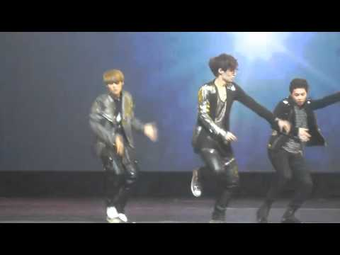 [fancam] 120618 Luhan Lay and Xuimin  Phoenix Dance