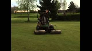 John Deere Greens Mower Cutting