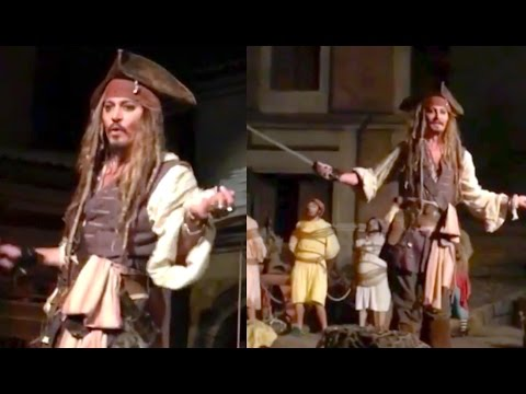 JOHNNY DEPP AT DISNEYLAND AS CAPTAIN JACK SPARROW! | Johnny Depp Disneyland