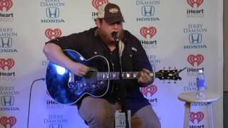 Luke Combs Sings When It Rains It Pours