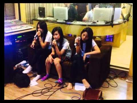 Interview JKT48 [Audio Only] on OZ Radio 90.8 FM Jakarta (Full Session) [13.11.2013]