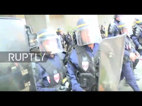 France: Riot police clash with protesters at Calais pro-refugee march