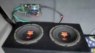 Módulo Soundigital SD250.1D e caixa selada 2 Subwoofer JBL de 8