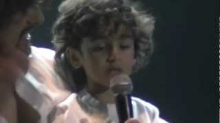 SONU NIGAM NEW YORK CONCERT  2012 --SONU WITH HIS SON