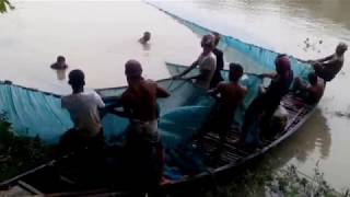 How to Catch Fish || Old technic || Padma river 2018