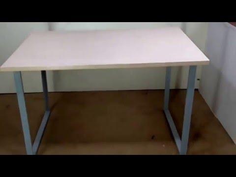 Стол компьютерный на металлических опорах