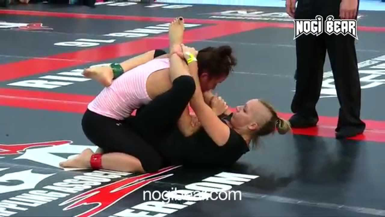 Female wrestling and grappling - 1 6