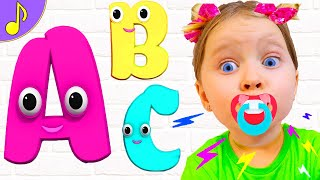 ABC Song - Learn English Alphabet for Children with Milli and Family