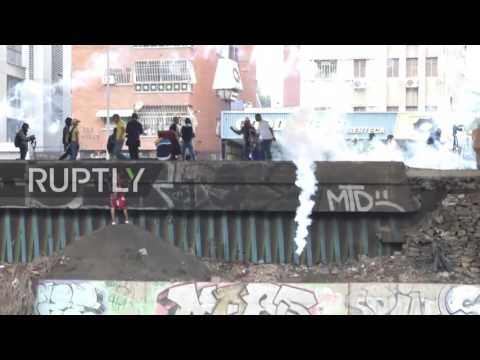 Venezuela: Riots in Caracas as 'Mother of All Protests' escalates