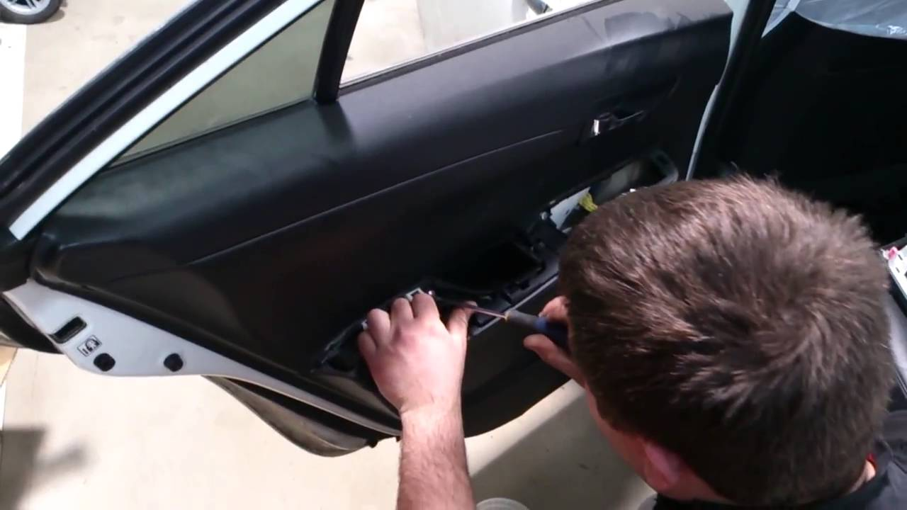 Разборка карты двери. Disassembly of the door card