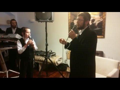 """פיני פולק ואחיו ילד הפלא דוד בביצוע מרגש ל""""רחמנא"""" עם הקלידן גרשון מינצברג"""