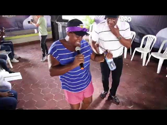 Andrés Navarro en San Cristóbal a Ritmo de los Tambores de un pueblo enérgico.