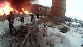 Жизнь пожарного. Пожарный в действии и на тренировках.
