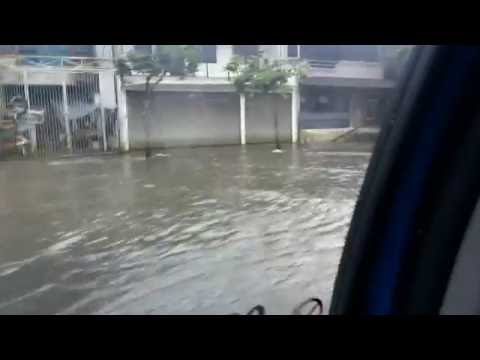 My travels: Driving throught the flood in Jakarta, Indonesia