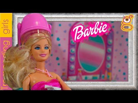 Barbie Sesión de Peluquería en el Salón de Belleza - Barbie juguetes en español Toys