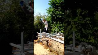 鋸原木成板材