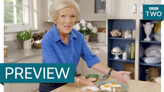 Crispy bacon rosti with fried eggs - Mary Berry
