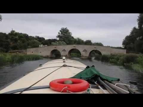 Fotheringhay to Ship Inn by Wide-beam.