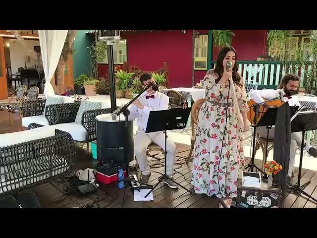 Só Tinha De Ser Você por Tati Maisan | AO VIVO - Música para Casamento ES